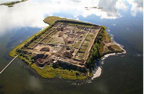 1,300-year-old fortress-like structure on Siberian lake ...