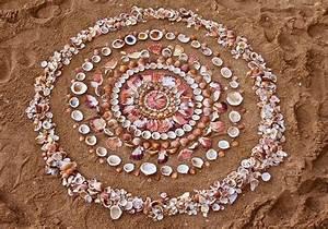 Les mandalas et cairns de pierres et autres de james brunt for James brunt cairns and mandalas