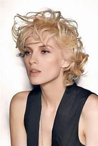 Cheveux Court Bouclé Femme : cheveux courts boucles ~ Louise-bijoux.com Idées de Décoration