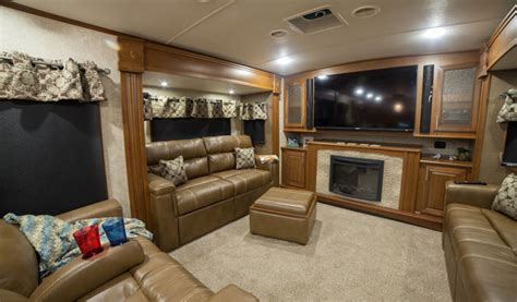 Front Living Room Fifth Wheel For Sale