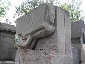 Oscar Wilde's tomb by Jacob Epstein | Joe Blogs