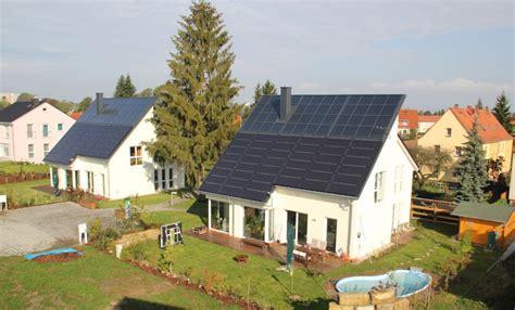 Energieautarke Haeuser Aus Ziegelmauerwerk by Sonnenh 228 User Als Vorbild Bei Neuer F 246 Rderinitiative