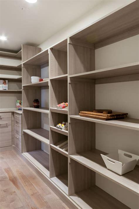 grand walk  pantry   space      imagine