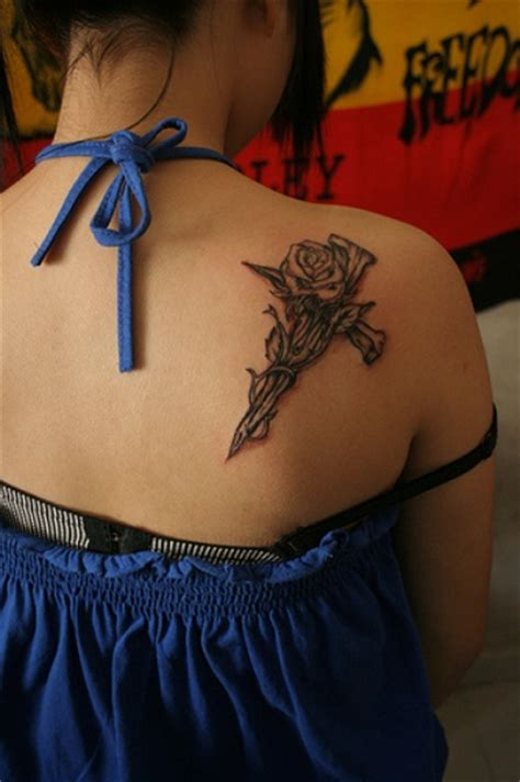 awesome black rose tattoos worth
