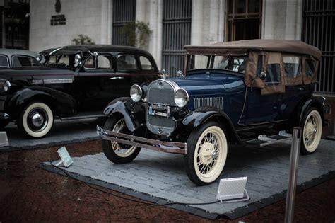 Mostra De Carros Antigos No Centro De Sp Atrai Famílias E