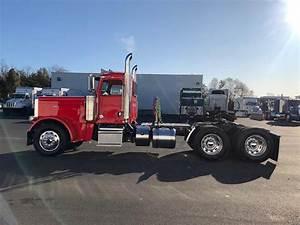 2020 Peterbilt 389 Tandem Axle Day Cab Truck