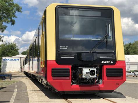 """Auf einem streckennetz von 331,5 km in berlin und brandenburg verkehren 15 linien, die 166 bahnhöfe bedienen. S-Bahn Berlin on Twitter: """"Start der Inbetriebsetzung: ein ..."""