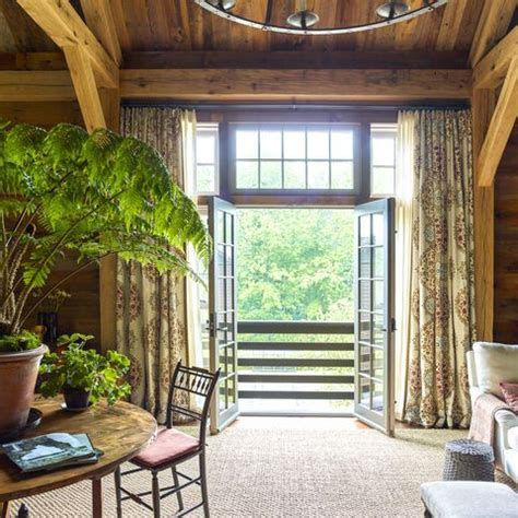 Tour a Summer House in Maine That Mixes Japanese Zen With