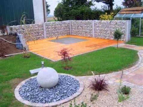 holzfliesen für terrasse mediterrane terrasse mit kalkstein und naturholz hergerichtet