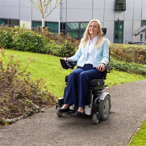 fauteuil roulant electrique invacare 1000 ideas about fauteuil electrique on tabouret pas cher meubles bleu marin and