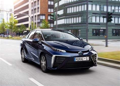 Toyota Mirai powers through 200,000km test on European ...