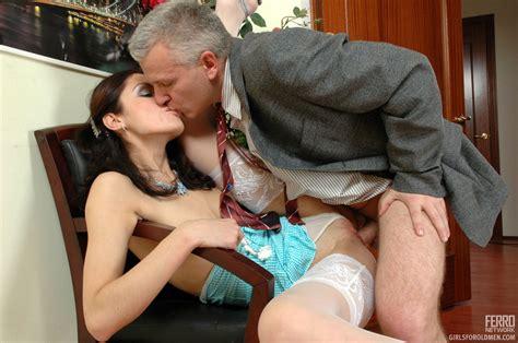 Older Man Young Women Sex Lean Girl Having Xxx Dessert
