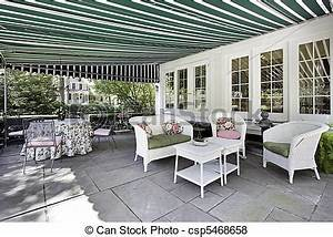 bilder von gartenterasse mit grun markise With markise balkon mit grafik tapete