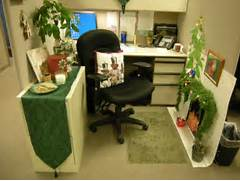 Small Home Office Cubicle Decoration Christmas Green Theme Decobizz Office Dec 09 2008 By Jessica Choi In Office Supplies 1000 Images About Christmas Crafts On Pinterest Snowman Classroom 40 Office Christmas Decorating Ideas All About Christmas