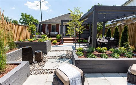 modern contemporary backyard landscape waterloo