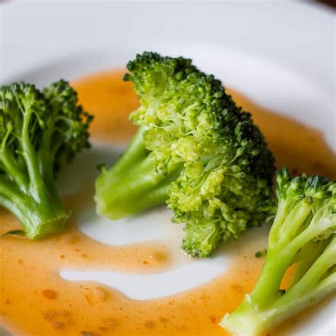 how to steam broccoli how to steam broccoli without a steamer basket recipe for perfection