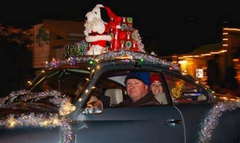 holiday decorations   car  news wheel