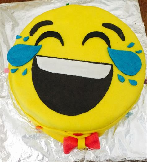 smiley cake cake  gaby cakesdecor