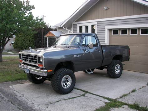 440jack 1984 Dodge Ram 1500 Regular Cab Specs, Photos