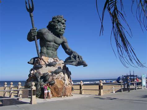 photographers in richmond va king neptune statue on the boardwalk virginia