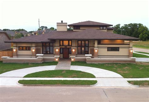awesome frank lloyd wright inspired homes 23 pictures