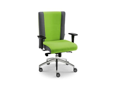task chair with wheels ideal for call centers idfdesign