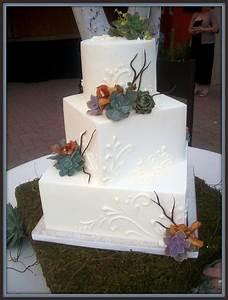 Best 25+ White square shaped wedding cakes ideas on ...