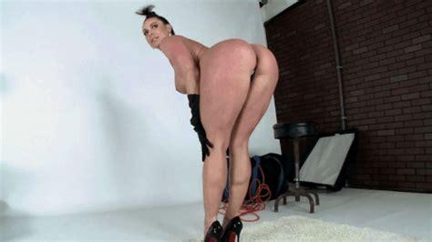Kendra Lust Imitates Kim Kardashian 01 Openwilde
