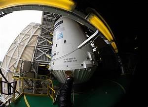Space in Images - 2016 - 04 - Soyuz VS14 in the mobile gantry
