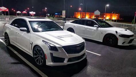 Hellcat Vs Ctsv by Speed Battle 2015 Dodge Charger Hellcat Vs 2016 Cadillac