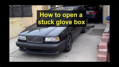 open  stuck glove box door   volvo  votd