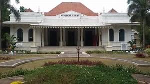 Wisata: Museum Tekstil