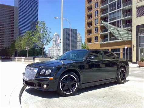 Bentley Kit For Chrysler 300 by Chrysler 300c Bentley Rolls Royce Derivatives Carscoops