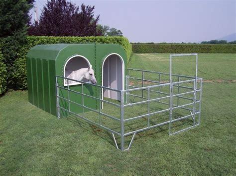 pferdestall pferdebox iglu offenstall aussenbox unterstand