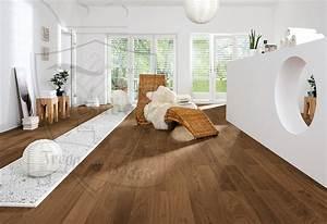 Fliesen Holzoptik Nussbaum : amerikanischer nussbaum markant lackiert nut feder ~ Michelbontemps.com Haus und Dekorationen