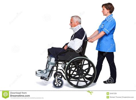 infirmi 232 re et homme bless 233 dans le fauteuil roulant photos libres de droits image 20407228