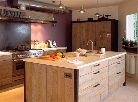 ilot bois cuisine ilot de cuisine en vieux bois mzaol com