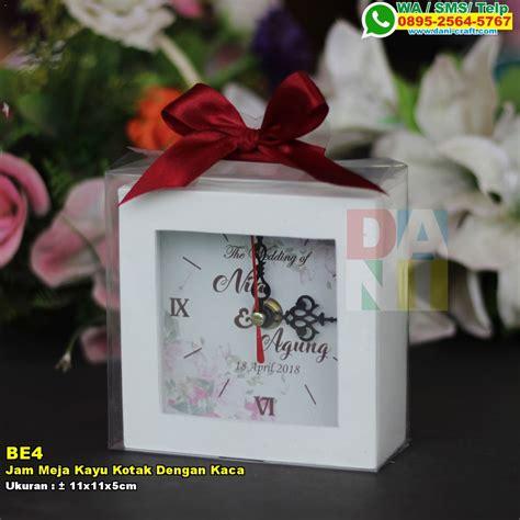 Kotak Jam Murah jam meja kayu kotak dengan kaca souvenir pernikahan