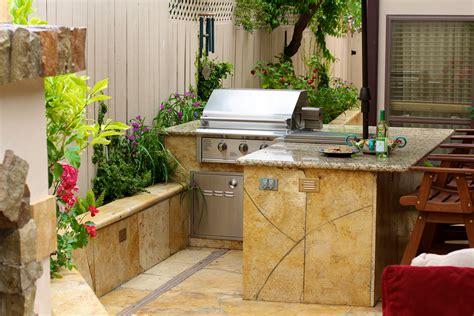 Small Outdoor Kitchen  Michael Glassman & Associates