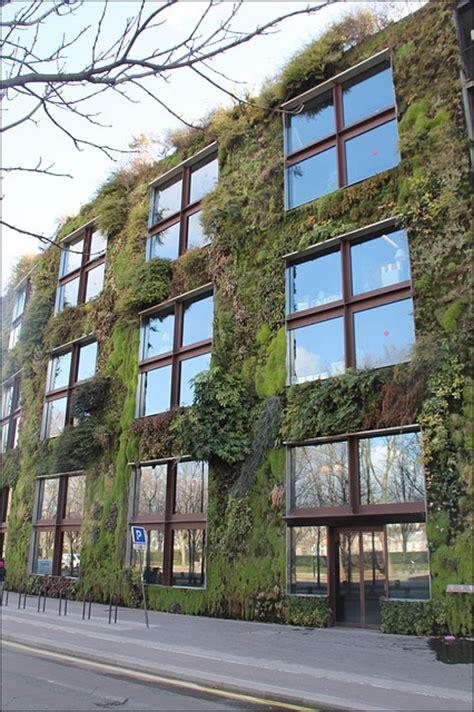 Ein Vertikaler Garten  Bringt Die Natur Direkt Zu Ihnen