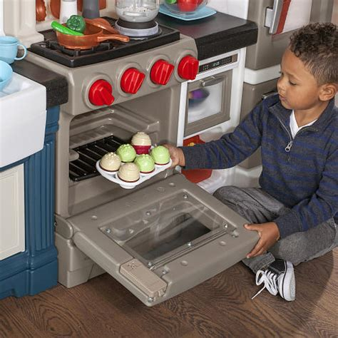 #win A Step2 Grand Luxe Play Kitchen Us 125