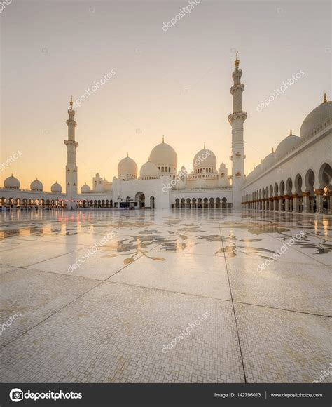 Sheikh Zayed Grand Mosque Photos by Sheikh Zayed Grand Mosque Stock Editorial Photo