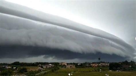 viral fenomena awan tsunami muncul  meulaboh aceh warga