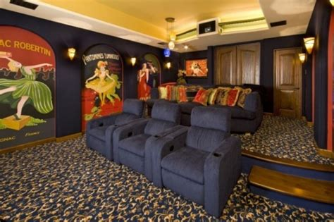 Blue Themes Media Room With Wall Art Design / Design