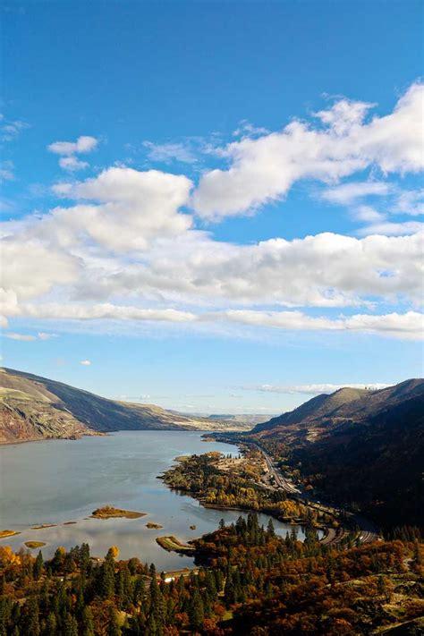 rowena crest viewpoint  easy hikes portland oregon