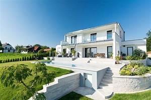 Moderne Häuser Mit Pool : schickes flachdachhaus mit pool ~ Markanthonyermac.com Haus und Dekorationen