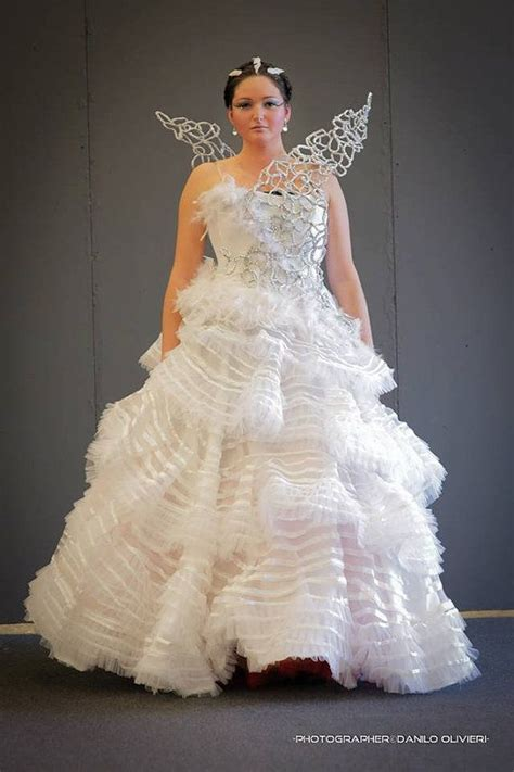 24 best images about katniss wedding gown on hunger costume vanity fair