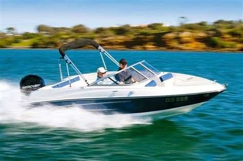 Best Fish And Ski Boat On The Market by The 12 Best Bowrider Boats On The Market Trade Boats