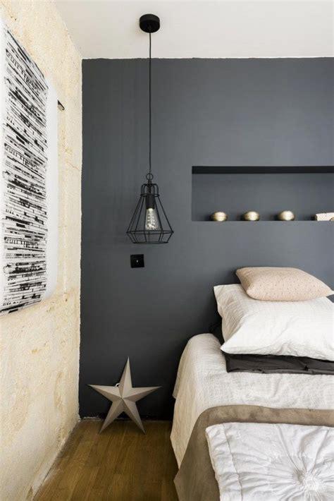 chambre ton gris chambre et cocooning avec mur peint en noir chambre