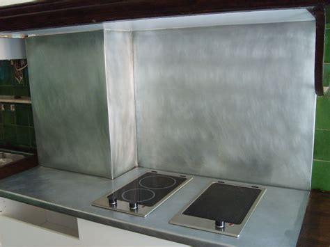 cuisine en zinc plan de travail en zinc dans une cuisine le dire c 39 est